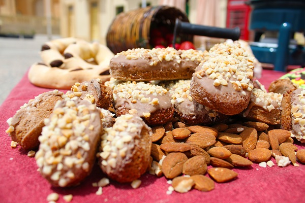 Kwarezimal biscotti malta