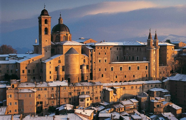 8 Urbino neve